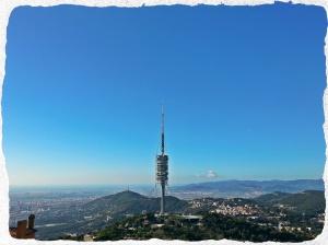 Torre de Collserola vista desde la Carretera de  les Aigües