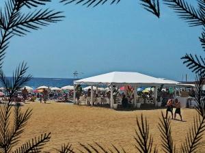 Chiringuito en la playa de Montgat.