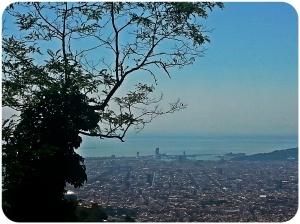 Vista de Barcelona desde la carretera de les Aigues
